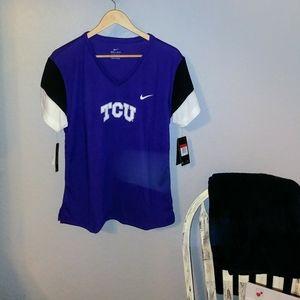 NWT- 🏈TCU womans Tshirt-L